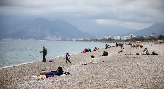 """""""Turizmin başkenti"""" Antalya'da """"kısıtlamasız"""" ilk cumartesi"""