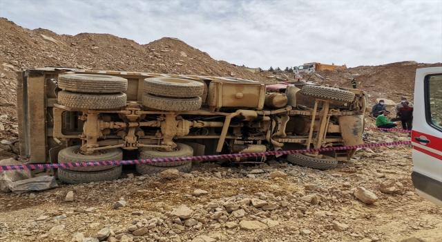 Isparta'da barit madeninde uçuruma devrilen kamyonun sürücüsü öldü
