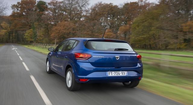Yeni Dacia Sandero showroomlarda yerini aldı