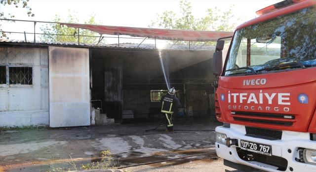 Antalya Büyükşehir Belediyesine girişlere Kovid-19 kısıtlaması