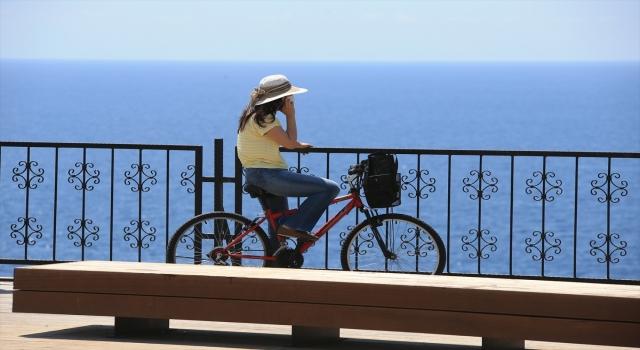 Antalya ve Muğla'nın sahillerinde hareketlilik yaşanıyor