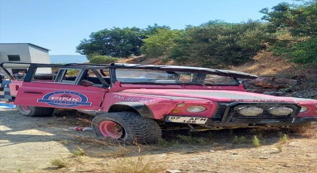 Antalya'da safari turu yapan aracın şarampole devrilmesi sonucu 1 kişi öldü, 9 kişi yaralandı