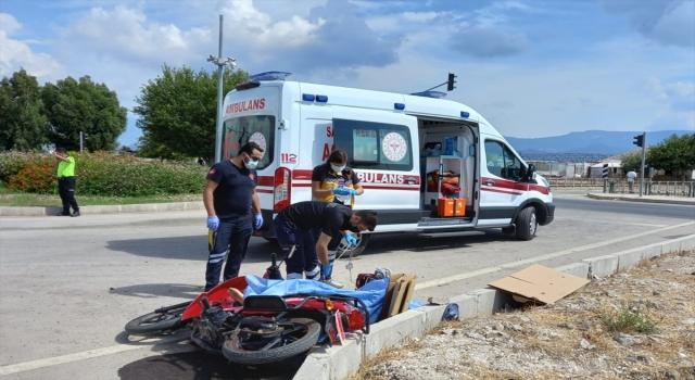 Antalya'da otomobil ile motosikletin çarpıştığı kazada bir kişi yaşamını yitirdi