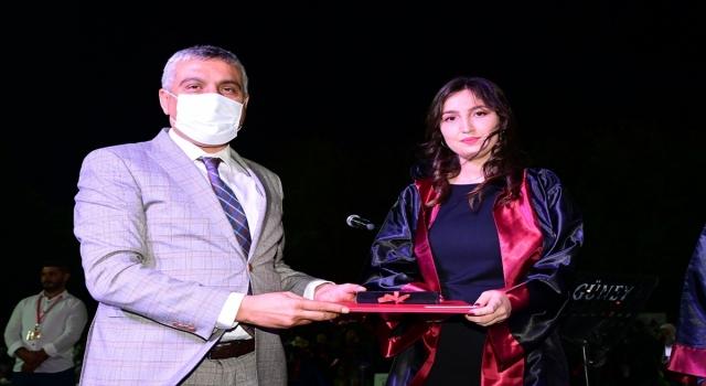 Osmaniye Korkut Ata Üniversitesi'nde mezuniyet töreni düzenlendi