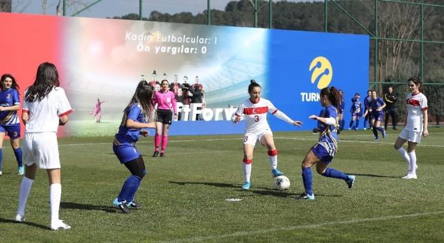 8 Mart Dünya Kadınlar Gününde gösteri maçı