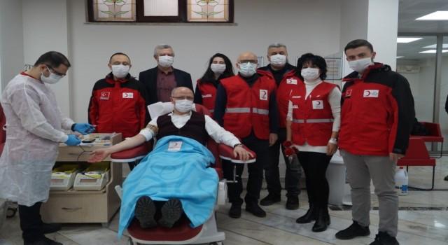 AK Partiden Kadınlar Gününde kan bağışı