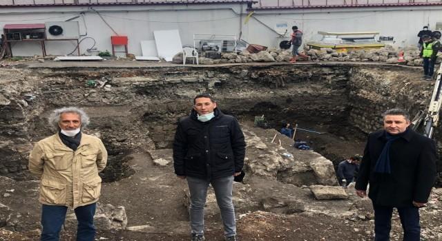 Turizmcilerden Hadrianus Limanı kalıntıları için Arkeopark Teklifi