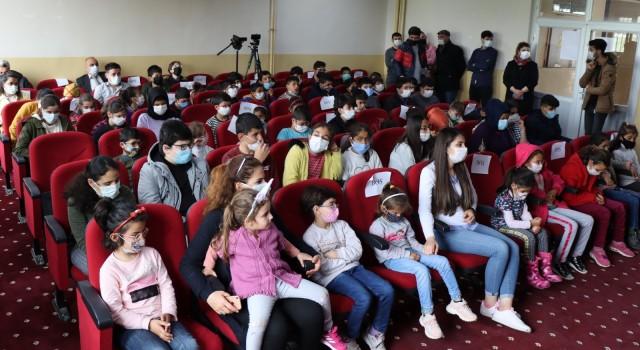 Şanlıurfada görme engelli öğrenciler tiyatro ile tanıştı