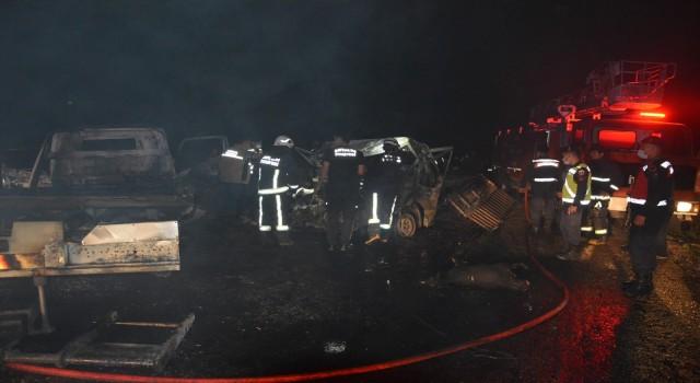 Antalyada feci kaza: 2 kişi araç içinde yanarak öldü