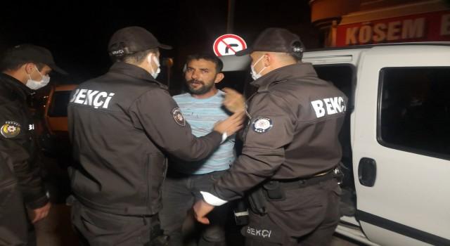 Bekçi ve polislerin alkollü şahısla imtihanı