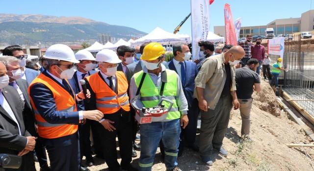 AK Partili Ünal: Bu ülkenin yapabilme gücüne saldırıyorlar