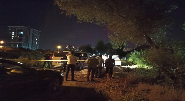 Ankarada bir kişi otomobilde ölü bulundu