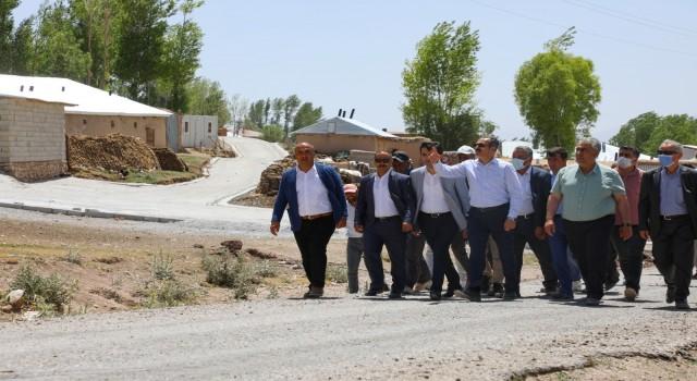 Gürpınar Belediyesi 500 bin metrekare parke taşını yollarla buluşturuyor