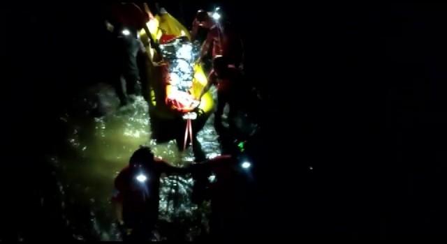 Kanyonda ayağı kaydı, 4 saat süren operasyonla kurtarıldı