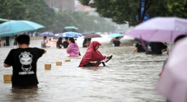 Çindeki sel felaketinde ölü sayısı 302ye yükseldi