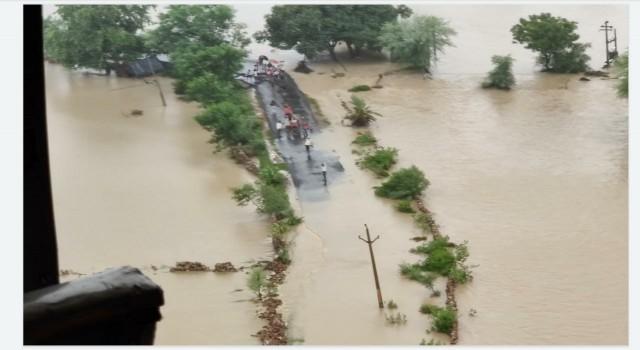 Hindistanda sağanak yağışlar sele neden oldu: En az 15 ölü