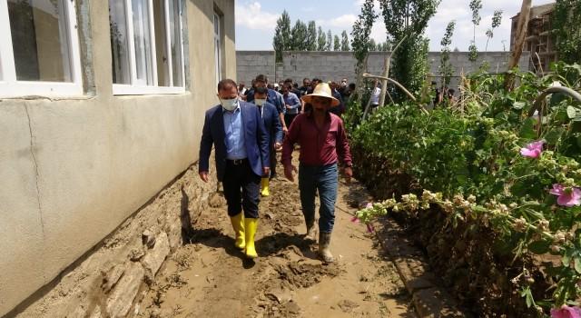 Yüksekovada sel felaketinin yaraları sarılıyor