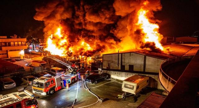 Almanyada Türk vatandaşa ait işyerinde yangın