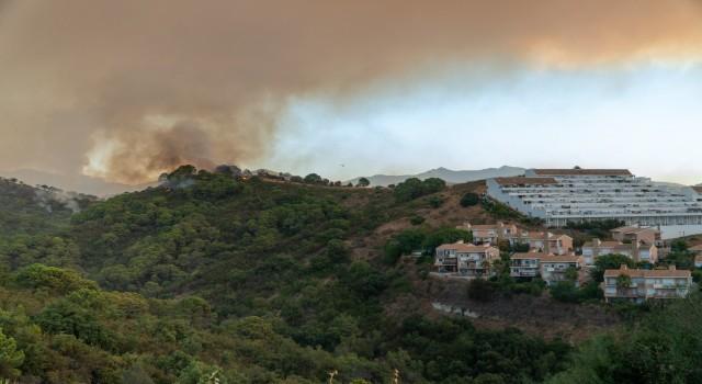 İspanyada tatil beldesinde yangın: Yaklaşık 500 kişi tahliye edildi