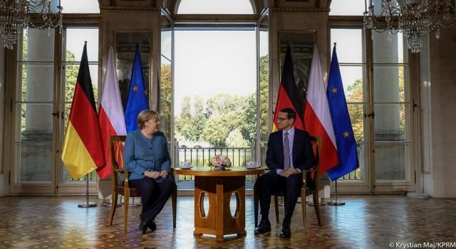 """Merkel: """"Polonyanın Belarus sınırındaki göçmenlerin baskı aracı olarak kullanılması kabul edilemez"""""""