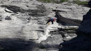 Antalya'da kayıp Ukraynalı turist kayalık alanda aranıyor