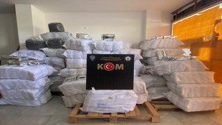Mersin'de 1 ton 800 kilogram kaçak çay ele geçirildi
