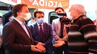 DEVA Partisi Genel Başkanı Babacan, Isparta'da semt pazarını gezdi