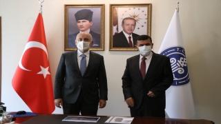 Ulaştırma ve Altyapı Bakanı Karaismailoğlu, AK Parti Burdur İl Başkanlığında konuştu:
