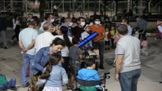Hatay'da anaokulu öğrencileri teleskopla Ay'ı izledi