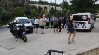 Antalya'da sahilde hırsızlık yaptığı iddia edilen 4 şüpheli yakalandı