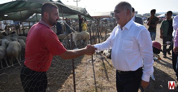 Başkan Kadir Kara, Kurban pazarını gezdi