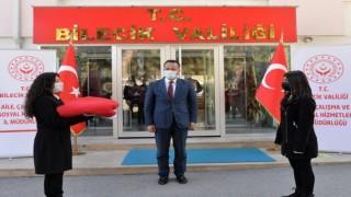 18 Martta Çanakkalede göndere çekilecek Türk bayrağı Bilecike ulaştı