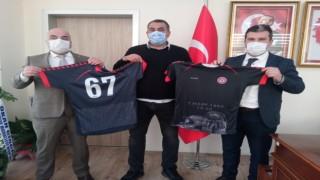 Gençlik Spor İl Müdürlüğü şehit madenci formalarına destek verdi