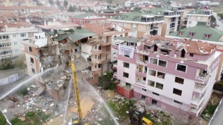 Büyükçekmecede kentsel dönüşüm kapsamında 3 bina yıkılıyor