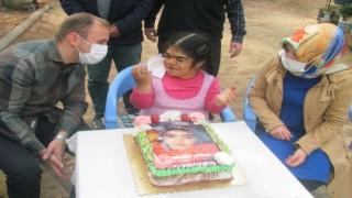 Kaymakam Mutludan bedensel engelli kıza doğum günü sürprizi