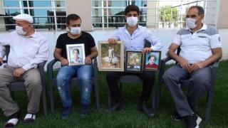 Diyarbakırda evlat nöbetindeki aileler, bayramda bir umut çocuklarını beklediler