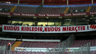 Galatasaray taraftarından Filistine destek