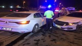 Şampiyonluk kutlaması sırasında kaza yapan araç yayaya çarptı: 2si ağır 4 yaralı