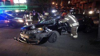 Şampiyonluk kutlamasına çıkan Beşiktaş taraftarları E-5te kaza yaptı: 2 yaralı