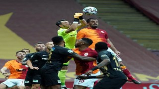Süper Lig: Galatasaray: 0 - Yeni Malatyaspor: 1 (İlk yarı)