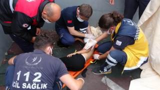 9 yaşındaki çocuk, yanağına saplanan demirle hastaneye kaldırıldı