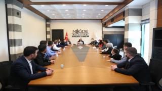 AK Gençler Niğde Belediye Başkanı Özdemiri ziyaret etti