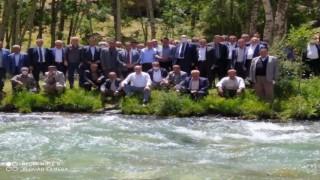 AK Parti heyeti Bahçesarayda kanat önderleriyle bir araya geldi