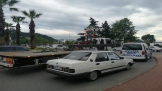 Arabası çekilen sürücüden sitem: Tofaş havlusuna araba bağladılar