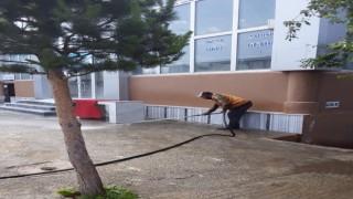 Arpaçayda kaldırımlar yıkanıyor