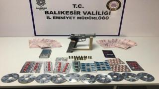 Balıkesirde polisten 26 şahsa Huzur operasyonu