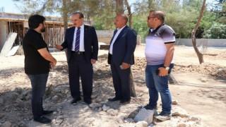 Başkan Yalçınkaya okulların inşaatını inceledi