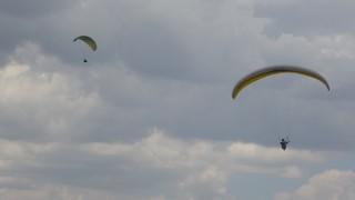 Bingölde bin 800 rakımdan atlayan yamaç paraşütçüleri yarıştı