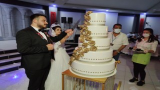 Düğün salonlarında yemek dönemi yeniden başladı, çiftler sevinle karşıladı