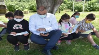 Görelede açık havada kitap okuma etkinliği